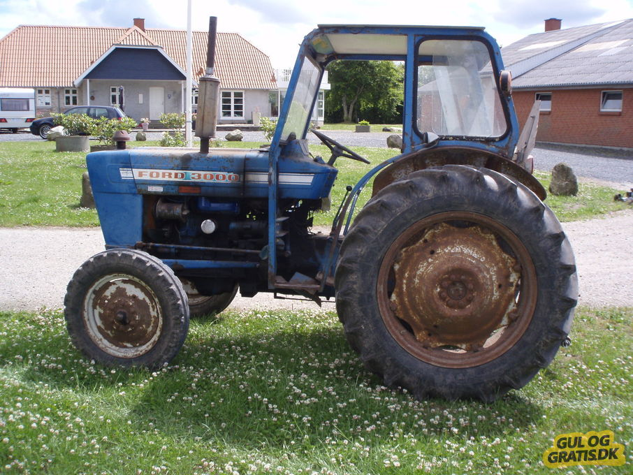 Ford 2000 Tractor 3 Cylinder : Used tractor ford tractors tanzania