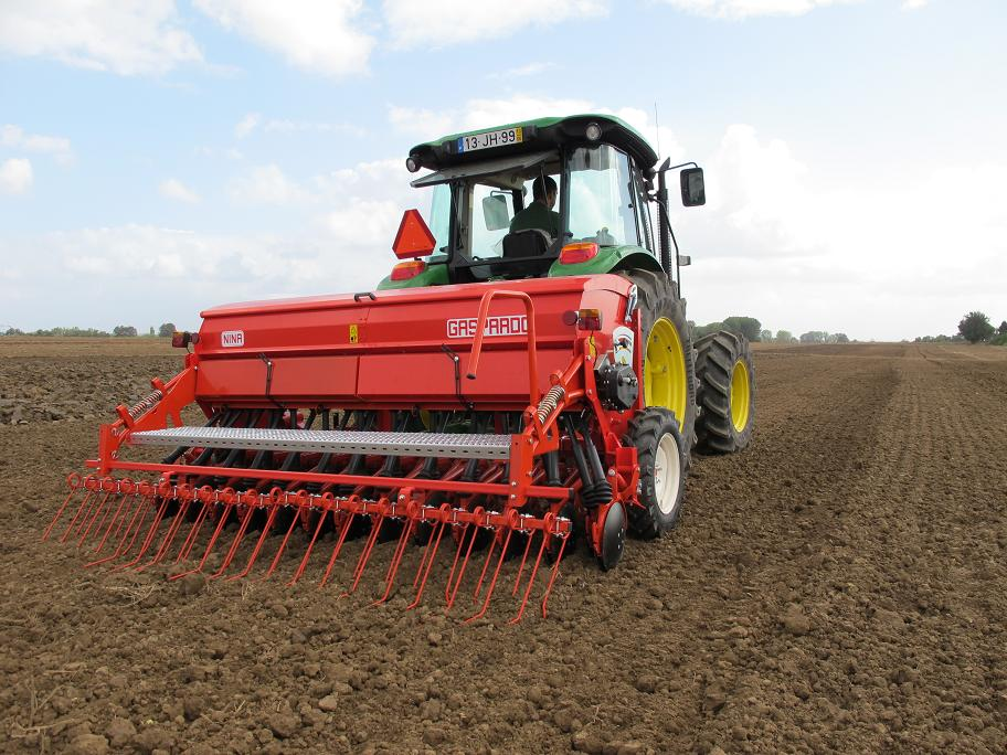 NINA 250 -400 Kupanda Nafaka (cereal planter) - Used tractors Tanzania